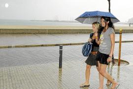 Septiembre arranca con lluvias y un acusado descenso de las temperaturas