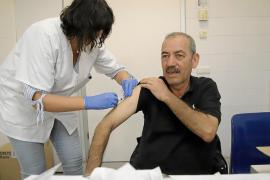 La vacunación de la gripe se avanza al 13 de octubre para los profesionales sanitarios y las residencias