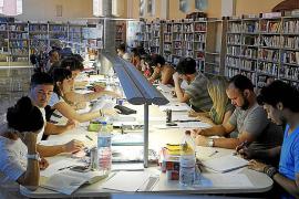Los exámenes de septiembre llenan un año más las bibliotecas de Palma