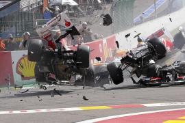 Button ganó una carrera en la que un accidente retiró a Alonso del circuito en la primera curva