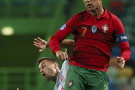 Asaltan la casa de Cristiano en Madeira para robarle una camiseta firmada