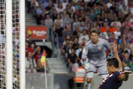 El Barça se va al parón con nueve puntos, pero sin lucimientos