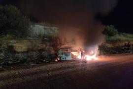 Calcinan un vehículo cerca del Aeropuerto de Palma