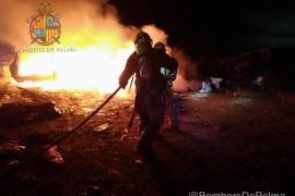 Los bomberos sofocan un incendio de madrugada en Son Banya