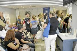 Cort destina 14 funcionarios más para los certificados de residente y 8 para el catastro