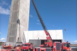Cort formaliza la adjudicación de la nueva autoescala de los Bomberos de Palma