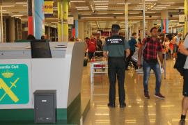 Condenado un turista por dar un cabezazo a un guardia civil en Son Sant Joan