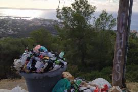 Los montones de basura, huella de los botellones en Na Burguesa