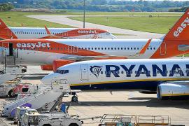 Las aerolíneas anuncian un bajón del 80 % de las reservas para Navidad