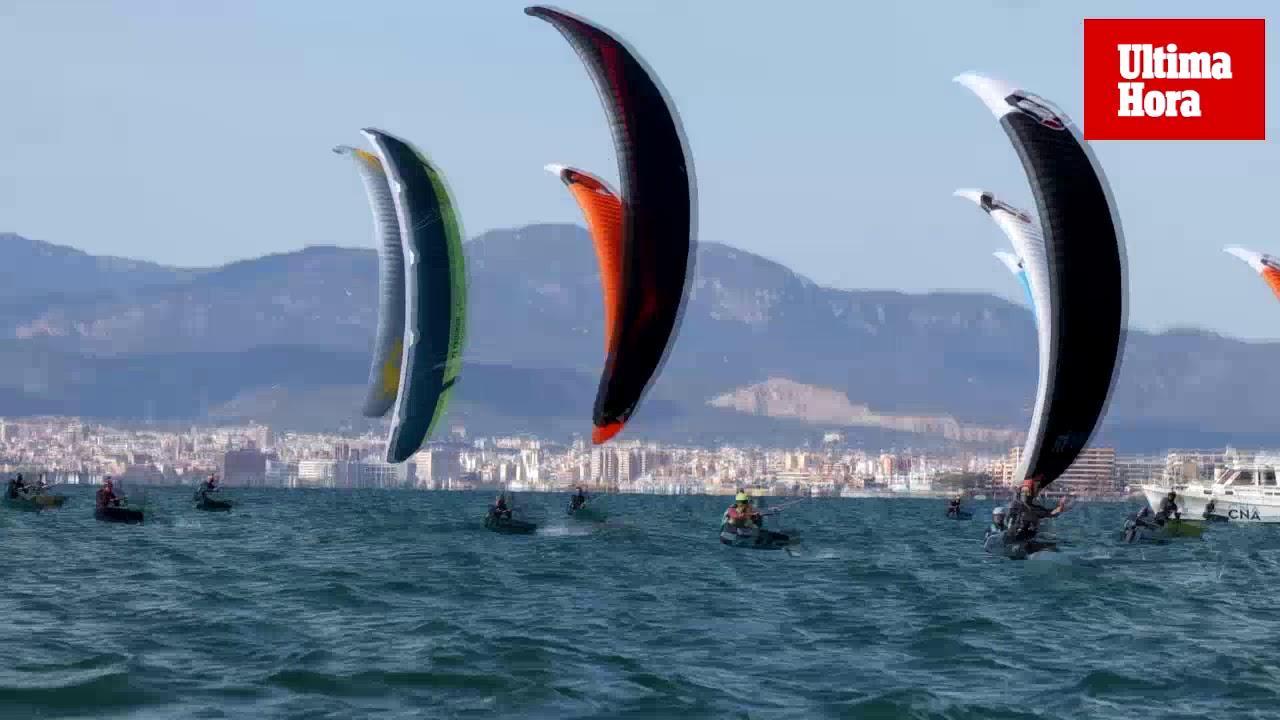 Kitefoil en la bahía de Palma