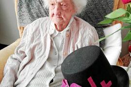 Dolores Reynés cumple 104 años con salud y alegría