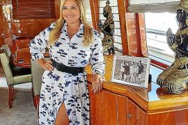 Kettilyn Magnusson en su barco