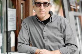 David Trueba: «Es pornográfico ir a que te den palmaditas los que ya piensan como tú»