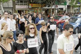 Otro 'viernes negro' de los funcionarios contra los recortes salariales