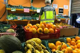 Detenidos por vender droga en una frutería de Palma