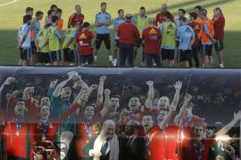 Vicente del Bosque prepara a puerta cerrada el partido contra Georgia