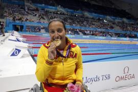 Teresa Perales se  lleva una medalla de oro en los 100 metros libres