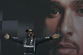Hamilton supera a Schumacher en Portimao y Sainz termina sexto