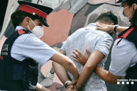 'Cazado' un falso enfermero que en el pasado se hizo pasar por policía