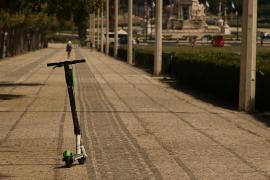 Tres municipios de Menorca regulan en común el uso del patinete eléctrico