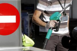 El precio de la gasolina y el gasóleo experimenta una ligera bajada durante la última semana