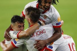 El Sevilla logra su primer triunfo en Champions pero perdonó la goleada
