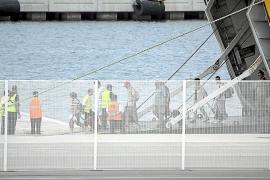 Quejas generalizadas por el ilógico sistema de embarque en el Port de Ciutadella