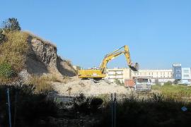 La promotora inicia la descontaminación del antiguo solar de la fábrica de Majórica