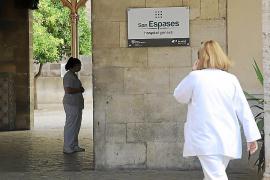Los trabajadores de El Carme exigen retrasar el traslado al Hospital General