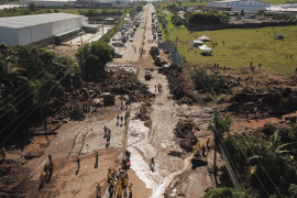 Al menos 7 muertos y más de 35 desaparecidos por un corrimiento de tierra cerca de San Salvador