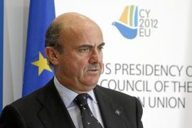 De Guindos aclara que las últimas reformas no afectan al gasto público