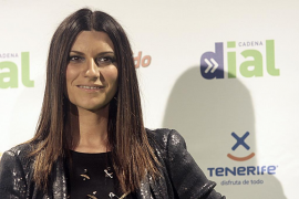 Laura Pausini espera  su primer hijo