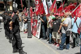 Los funcionarios responden al Govern balear con una amenaza de movilizaciones