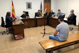 Un hombre acepta dos años de cárcel por agresiones sexuales a una yegua y su potra en el Port d'Alcúdia
