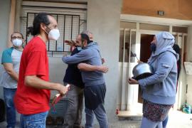 Stop Desahucios paraliza el desahucio de una familia en Son Gotleu