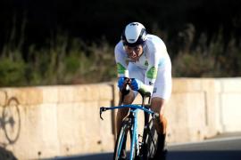 Decepcionante actuación de Enric Mas en la contrarreloj, que le aleja del triunfo en la Vuelta