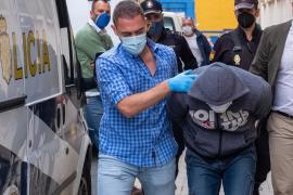 Prisión sin fianza para el hombre que decapitó a un vecino en Huelva