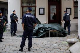 Viena sigue blindada pero se diluye la amenaza de un segundo terrorista huido