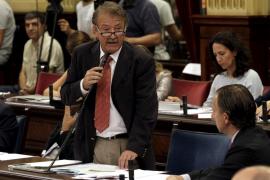 Mesquida y Thomàs se enfrentan en el Parlament con insinuaciones personales