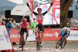 Tim Wellens hace doblete en Ourense, Enric Mas sigue quinto