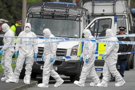 El asesinato de dos policías en Manchester conmociona Gran Bretaña