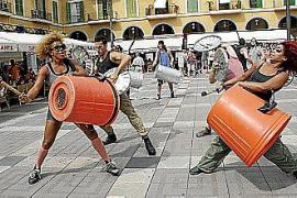 El ritmo 'reciclado' de Stomp sale a la calle