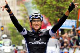 El ciclista del Euskaltel Víctor Cabedo fallece tras ser atropellado
