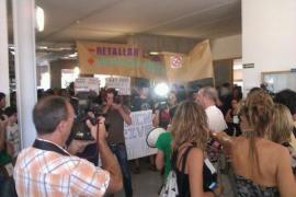 La UIB inaugura el curso académico con protestas por los recortes