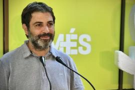 Més quiere quitar cuadros y placas del rey emérito del Parlament