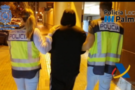 Desarticulados dos puntos de venta de droga que abastecían al Arenal