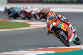 Primera victoria de autoridad de Raúl Fernández en Moto3