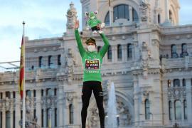 Roglic celebra en Cibeles su doblete en la Vuelta