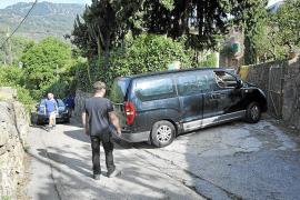 El caos circulatorio se apodera de los municipios de la Serra de Tramuntana cada fin de semana