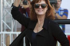 La actriz Susan Sarandon visita por sorpresa el Guggenheim de Bilbao